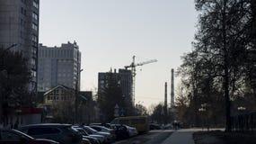 Tubos y construcción paisaje-industriales urbanos fotos de archivo libres de regalías