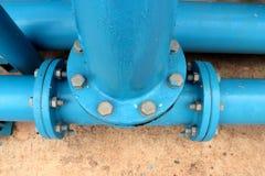 Tubulação da maneira do tiro três para a fonte de água foto de stock