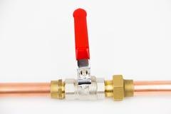 A tubulação da válvula e do cobre de bola Imagens de Stock Royalty Free