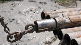 Tubulação de broca na plataforma petrolífera Imagem de Stock Royalty Free