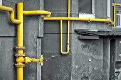 Tubulação de gás amarela Fotos de Stock Royalty Free