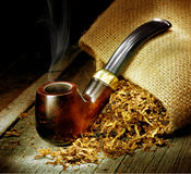 Tubulação de tabaco Fotos de Stock Royalty Free