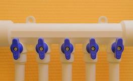 Tubulação do polipropileno ao coletor Imagens de Stock