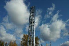Tubulação e céu da caldeira Foto de Stock Royalty Free