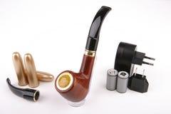 Tubulação eletrônica preta do cigarro fotografia de stock