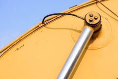 Tubulação hidráulica do metal e metal sujo amarelo Fotografia de Stock Royalty Free