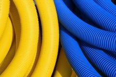 Tubulações amarelas e azuis Fotos de Stock Royalty Free