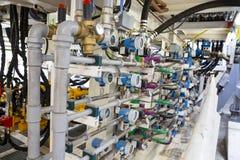 Tubulações, cabos e indicadores Fotografia de Stock Royalty Free