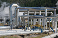 Tubulações de vapor, energia Geothermal foto de stock royalty free