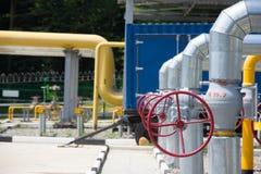 Tubulações do central elétrica e da válvula Fotografia de Stock Royalty Free