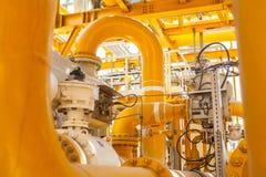 Tubulações e conexões amarelas Fotografia de Stock