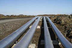 Tubulações industriais para o transporte da energia Fotos de Stock Royalty Free