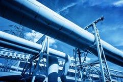 Tubulações na central elétrica eclético térmica Indústria Imagens de Stock Royalty Free