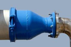Tubulações pintadas azuis e aço inoxidável Imagem de Stock Royalty Free