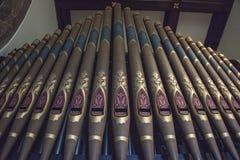 Tubulações pintadas do órgão de Speechley na capela imagens de stock royalty free
