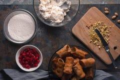 Tubules и ингридиенты для десерта итальянки cannoli Стоковое Изображение RF