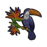 Tucano do bordado com as flores tropicais para a roupa, os remendos e as etiquetas de forma Imagem de Stock Royalty Free