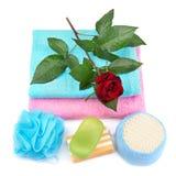Tuch, Seife und Schwamm. Stockfoto