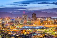 Tucson, Arizona, horizonte de los E.E.U.U. fotos de archivo