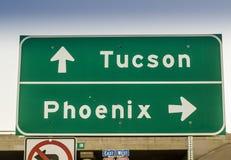 Tucson, Phoenix, señal de tráfico los E.E.U.U. de la carretera de Arizona Foto de archivo libre de regalías