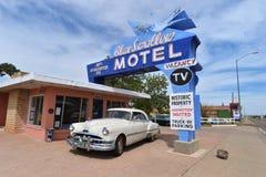Tucumcari som är ny - Mexiko, USA, April 25, 2017: Gammalt motell på Route 66 royaltyfri bild
