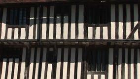 Tudor budynek w Anglia panning strzale zdjęcie wideo