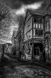 Tudor byggnad i Gloucester arkivbilder