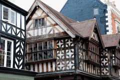 Tudor byggnader royaltyfri bild