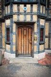 Tudor Door anziano Fotografie Stock