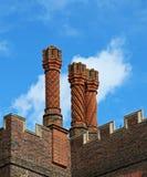 tudor för lampglasdomstolhampton slott arkivbild