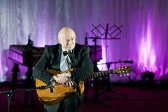 Tudor Gheorghe en concierto en Slatina, Rumania fotos de archivo