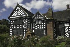 Tudor Haus Stockbilder