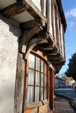 Tudor a rayonné le cottage de Kent photographie stock libre de droits