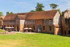 Tudor Stable, château de Kenilworth, le Warwickshire images stock