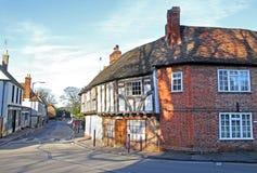 Tudor stelde gerichte plattelandshuisjes bloot Stock Fotografie