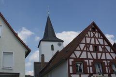 Tudor stilhus - ursnygg egenskap i hjärtan av Tyskland royaltyfri foto