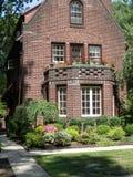 Tudor Style Brick Home in Forest Hills, N Y Stock Afbeeldingen