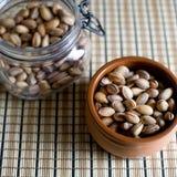 Tuercas de pistacho. Imagenes de archivo