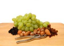 Tuercas y galleta de la fruta Foto de archivo libre de regalías