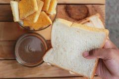 Tueste con mantequilla y la aspersión con el azúcar - café caliente Imagen de archivo libre de regalías