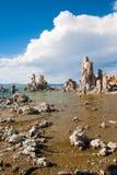Tufabildande i den mono sjön, Califormia Royaltyfri Fotografi