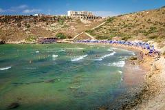 Tuffieha fjärd Sandy Beach, Malta Arkivbild