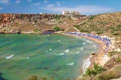 Tuffieha fjärd Sandy Beach, Malta Arkivbilder