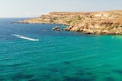 Tuffieha fjärdstrand, Malta Arkivbilder