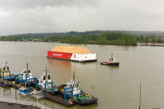 A tug and barge in vancouver, canada Royalty Free Stock Photography