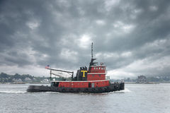 Tug boat. Setting out to work for the day Royalty Free Stock Images