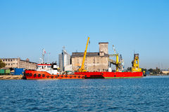 Tug boat and barge Royalty Free Stock Photo