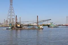Tug Boat & Crane Barge Stock Afbeelding