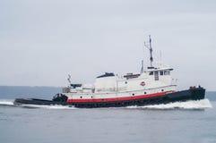 Tug Boat Making Way Immagini Stock