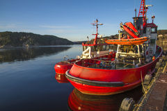 Tug frier & tug evis Stock Photos